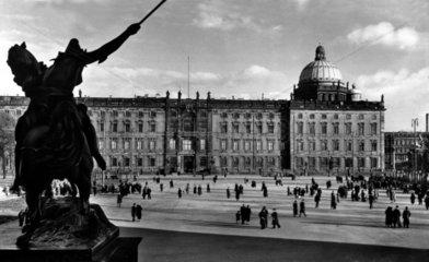 D-Berlin  1930  Schloss