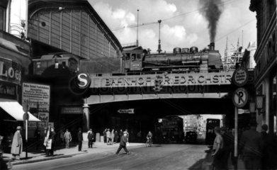 D-Berlin Bahnhof Friedrichstrasse  ca. 1929