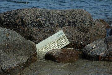Tastatur im Wasser
