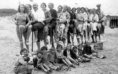 Badegruppe am Strand