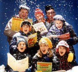 8 singen Weihnachtslieder