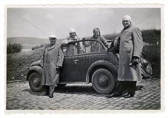 Pfingstausflug mit dem Auto  Opel Olympia Cabrio  1936