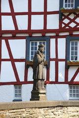 Statue des Heiligen Johannes von Nepomuk in Monreal in der Eifel