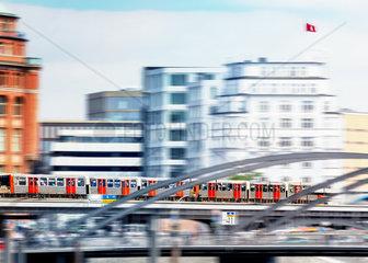 Die Hochbahn im Hamburg