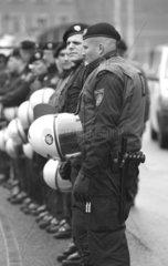Mobile Einsatzpolizei bei einer Demonstration