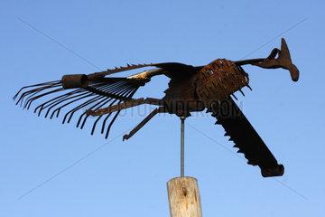 Verrostet Vogelskulptur