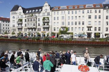 Ausflugboot in Berlin