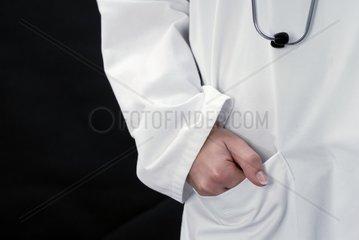 ssrztin mit Stethoskop