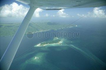 Blick aus der Cessna Skyhawk auf SamanÃÂ¡ und Cayo Levantado