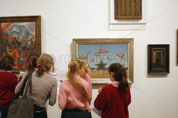 Unterrichtstunde in der Tate Gallery of Modern Art