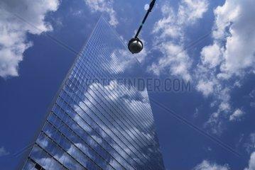 Spiegelung am Wolkenkratzer  New York City  USA