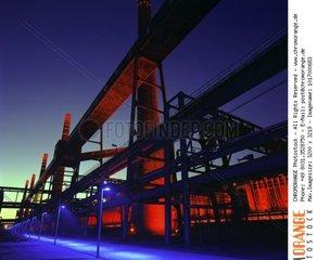 Ehemalige Kokerei Zollverein in Essen  kunstvoll beleuchtet