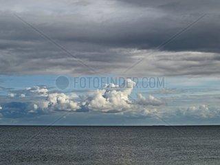 Wetterwechsel ueber dem Sylter Wattenmeer Schleswig Holstein Deutschland Europa