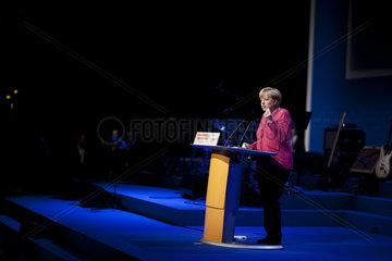 Merkel campaigns in Berlin