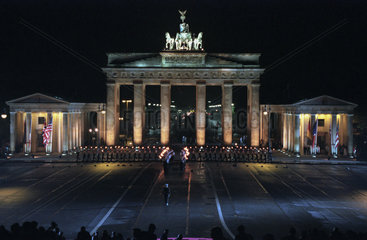 Grosser Zapfenstreich der Bundeswehr am Brandenburger Tor