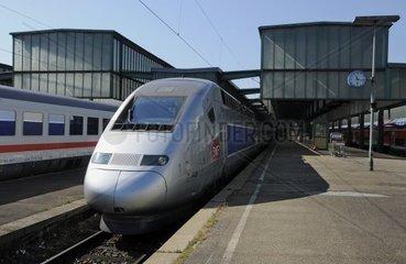 TGV im Stuttgarter Hauptbahnhof
