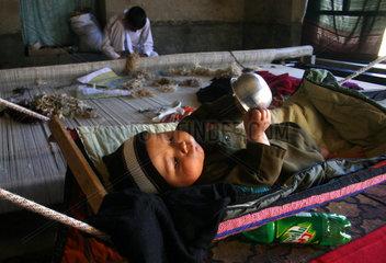 PAKISTAN-PESHAWAR-HANDMADE-CARPETS