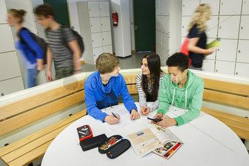 Schueler einer integrierten Gesamtschule