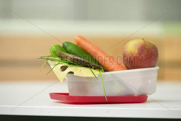 Gesundes Pausenbrot in einer Brotdose