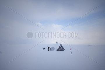 Backcountry-Skitour auf dem Groevelsjoefjaell zur Oskarstugan.