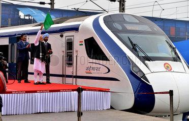 INDIA-NEW DELHI-PM-SEMI HIGH SPEED TRAIN
