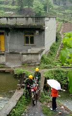 China  Hotline fuer Probleme mit der Stromversorgung in laendlichen Gegenden