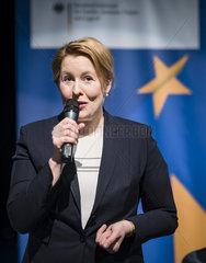 Bundesfamilienministerin Giffey besucht Ballettschule zum EU Projekttag