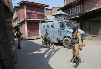 KASHMIR-SRINAGAR-RESTRICTIONS