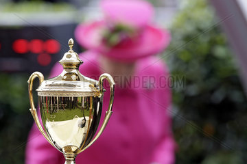 Royal Ascot  the Ascot Gold Cup trophee