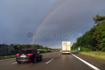 Magdeburg  Deutschland  Regenbogen ueber der A2