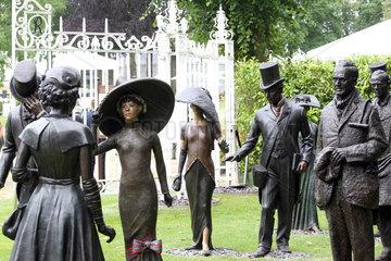 Royal Ascot  Sculptures at the racecourse