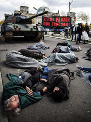 Campact protests Geman tank sales