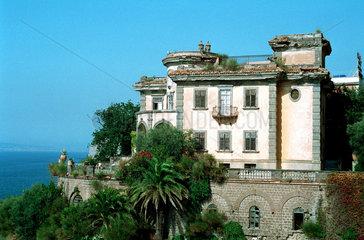 Sorrento  eine verfallene  alte Villa