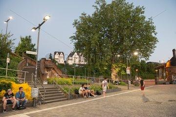 Sandsteinbruecke Bahnhofsvorplatz