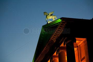 Posen  Polen  Pegasus auf dem Giebel des Teatr Wielki