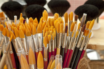 Many different brushes from different animal hair - Viele verschiedene Pinsel aus unterschiedlichen Tierhaaren