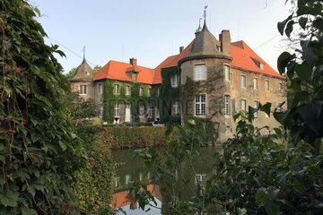 Gestuet Itlingen  Blick auf das Schloss