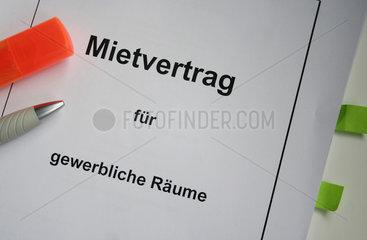 Stuttgart  Deutschland  Symbolfoto Mietvertrag fuer gewerbliche Raeume