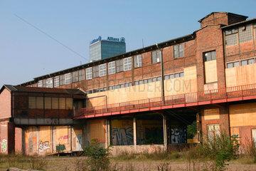 Altes DDR Fabrikgebaeude