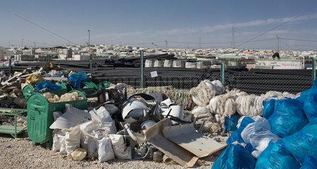 Wertstoffhof in einem Fluechtlingscamp in Jordanien