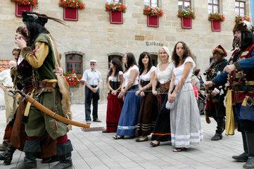 Altdorf  Deutschland  Strassenumzug bei den mittelalterliche Wallenstein-Festspielen
