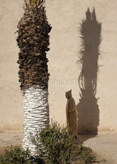 Mann in Jellaba  Essaouira  Marokko