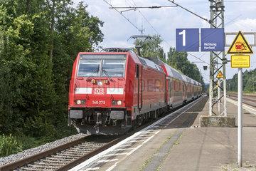 Regionalexpress Zug der Deutschen Bahn