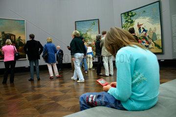 Berlin -Alte Nationalgalerie. Besucher der Goya Ausstellung