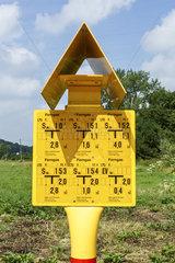Hinweisschild auf Ferngasleitung