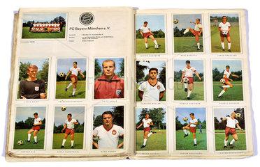 FC Bayern Muenchen  Mannschaft  Sammelbilder  1965