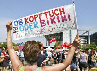 Demonstration gegen AFD - Aufmarsch in Berlin-Mitte