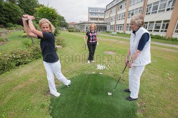 Neustadt  Deutschland  Golftherapie in der Schoen Klinik Neustadt