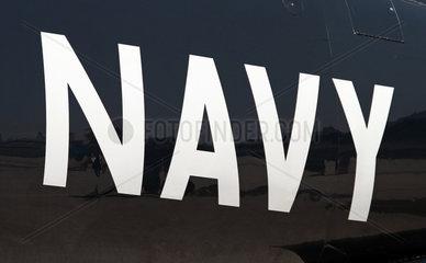 Schoenefeld  Deutschland  das Wort NAVY auf schwarzem Untergrund
