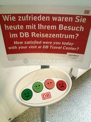 Berlin  Deutschland - Apparat fuer Umfrage zur Kundenzufriedenheit  Deutsche Bahn AG